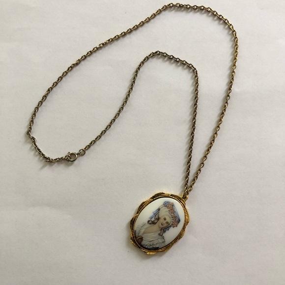 Vintage Marie Antoinette Style Pendant Necklace